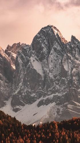 Горы на рассвете
