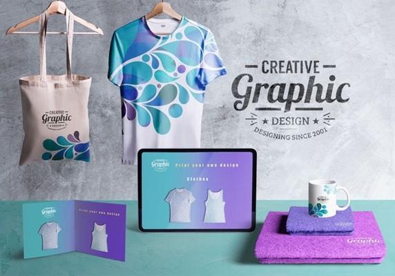 Вид спереди творческого графического дизайнера стола